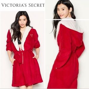 *VICTORIA'S SECRET* NWT Dreamheart Hooded Robe